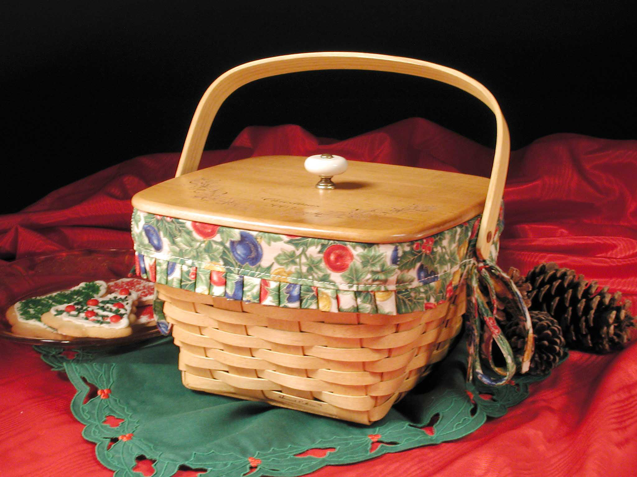 A sample Christmas basket from the Berlin Fruit Box Company.