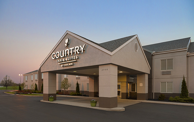 Country Inn & Suites-Port Clinton