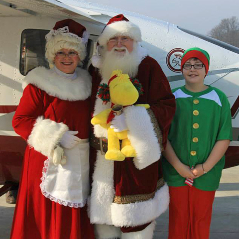 Santa Flies into Port Clinton