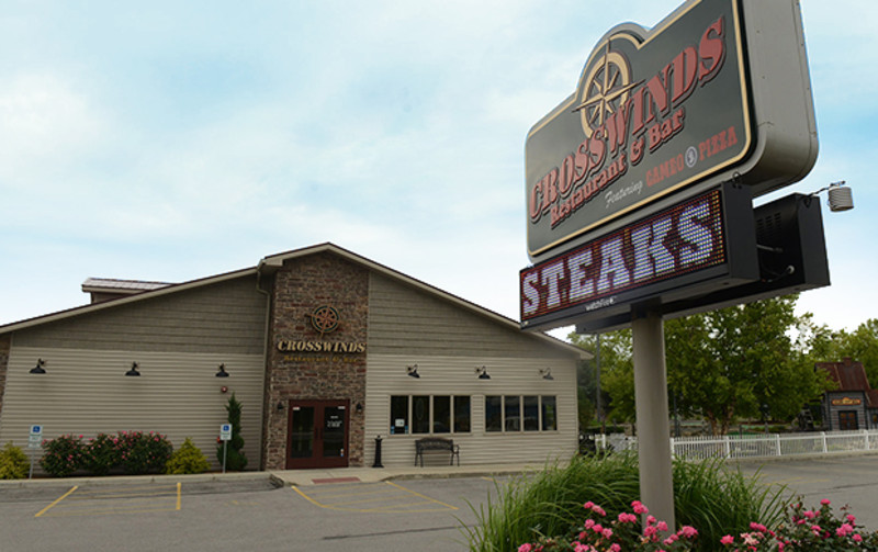 places to eat in port clinton ohio