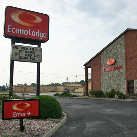 Econo Lodge - North